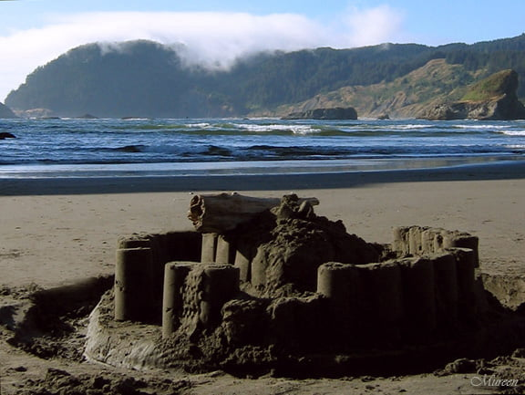 Gold Beach sand sculpture